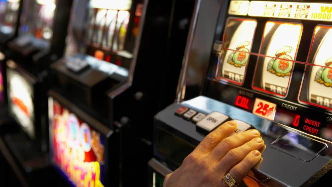 Al 1,5 jaar gerommel bij gokcommissie: felle kritiek, rare beslissingen en interne twisten