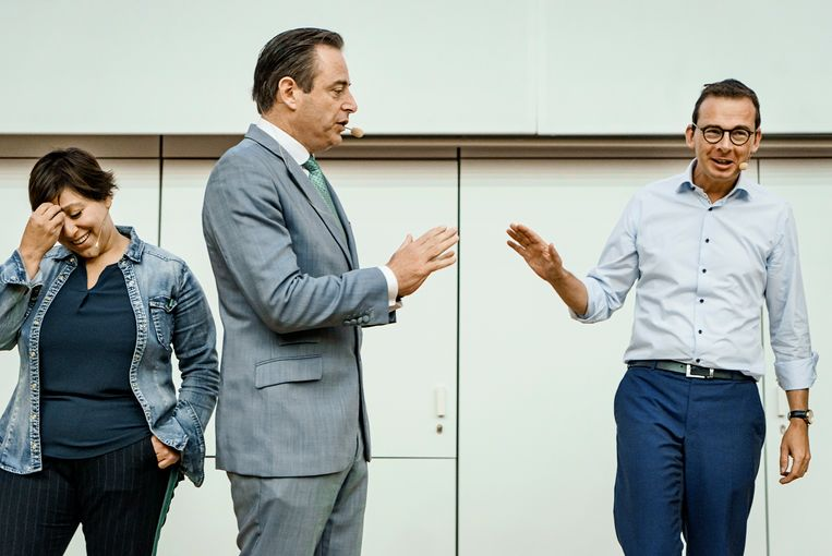 N-VA-voorzitter Bart De Wever en CD&V-voorzitter Wouter Beke op het openingscollege politicologie aan de UGent. Beeld Eric de Mildt