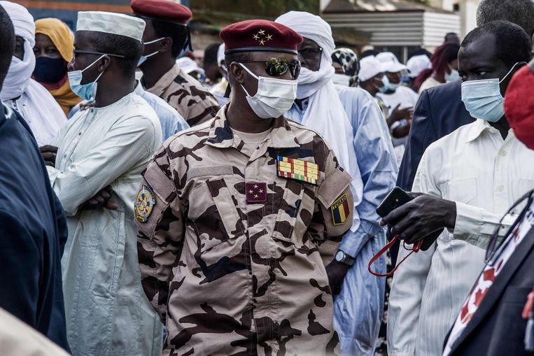 De 37-jarige Mahamat Déby staat sinds het overlijden van zijn vader aan het hoofd van de Tsjadische junta. Beeld AFP
