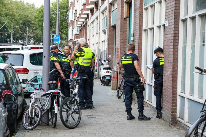De politie heeft een 16-jarige verdachte aangehouden.