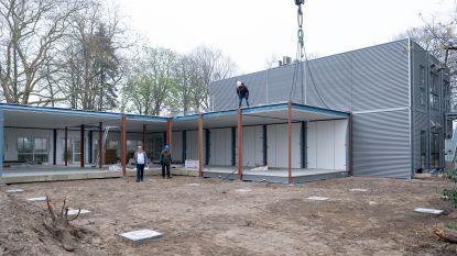 LAB 'bouwt' nieuwe school op 3 dagen tijd