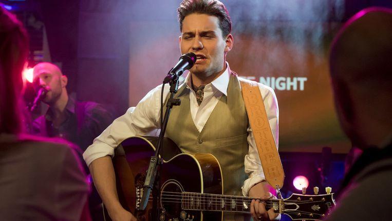 Amsterdammer Douwe Bob tijdens een uitzending van RTL Late Night Beeld anp