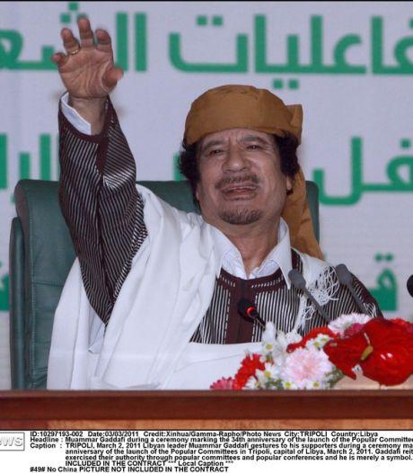 """Kadhafi: """"Stoppez votre offensive barbare contre la Libye"""""""
