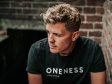 Jaap Reesema uit Deventer brengt na nummer 1-hit nieuwe single uit: 'Kim had gelijk, alles komt goed'