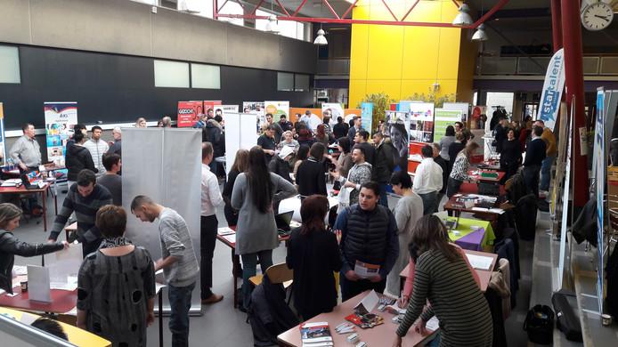 Eerdere banenmarkt voor jongeren in mbo-school Scalda in Terneuzen.
