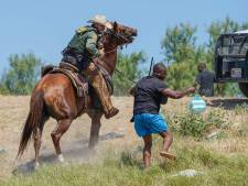 Geschokte reacties op beelden van grenspolitie VS die migranten te paard opjaagt