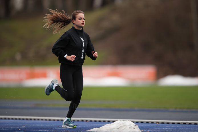 Floor Doornwaard traint op Papendal, de atlete uit Heerde keert komend weekeinde terug bij het NK.