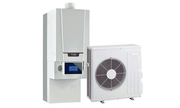 Het beste van twee werelden biedt de hybride installatie: een cv-ketel op aardgas of stookolie en een warmtepomp op elektriciteit.