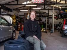 Na 35 jaar gaat garage Smaal op slot: 'Het wordt vrijdag nog lastig als de deur echt dicht gaat'