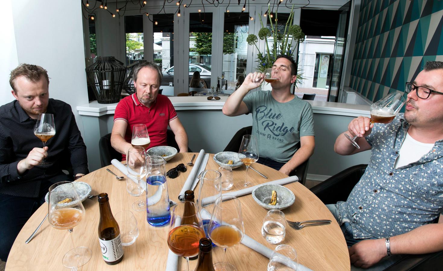 bierproeven bij Rozario in Helmond