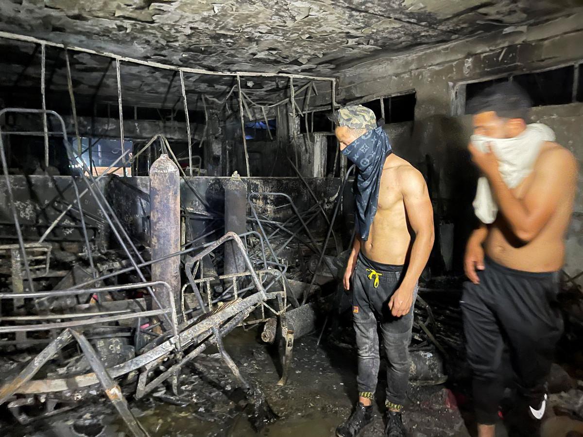 De ravage in het ziekenhuis Ibn al-Khatib is groot na de brand.