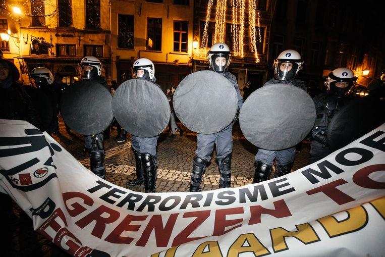 De politie was goed voorbereid op de betoging. Beeld Wouter Van Vooren