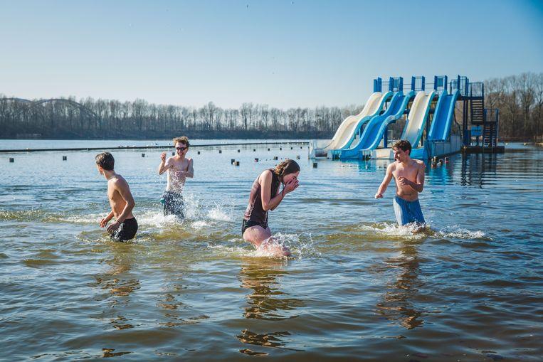 zomerse beelden in de Blaarmeersen in februari
