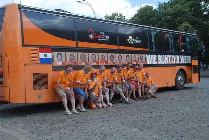 De Achterhoekse Bofkonten op het plein in Charkov. Foto Chris Korsten