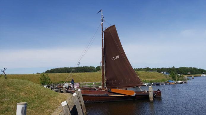Een van de maatschappelijke organisaties die een beroep doen op het Vitaliteitsfonds, is stichting 't Venose Skutien. De stichting uit Vollenhove houdt een historische botter uit 1902 in de vaart die de herinnering aan het vissersverleden van het dorp in leven houdt.