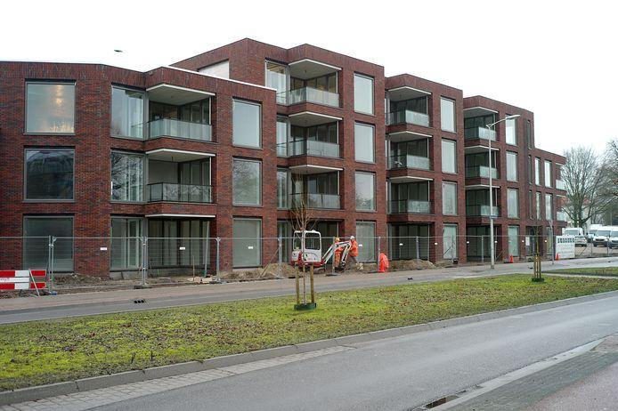 Als het weer mee blijft werken, zouden de twintig appartementen in de Maurits Veste aan de Oliemolenstraat al in april opgeleverd moeten worden.