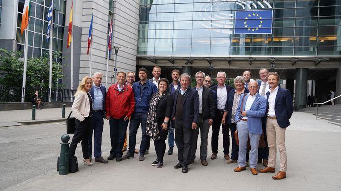 De Hilvarenbeekse afvaardiging tijdens het bezoek aan het Europees Parlement.