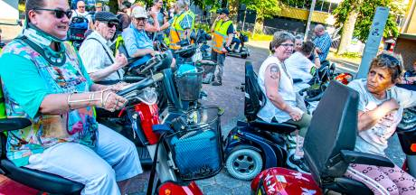 Bindweefsel van Prittstift of niet, Carolien rijdt de scootmobielvierdaagse