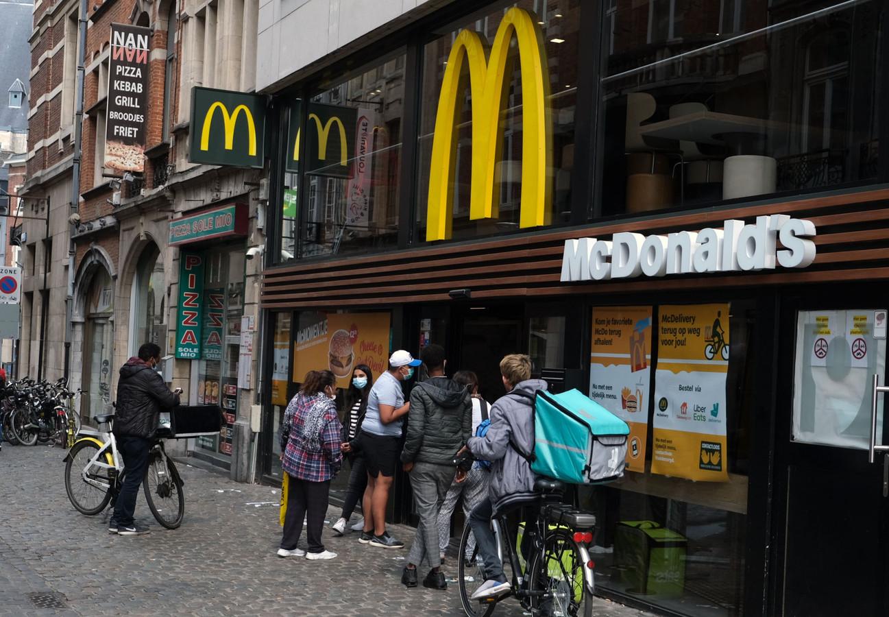 De feiten vonden plaats bij McDonald's in Leuven.