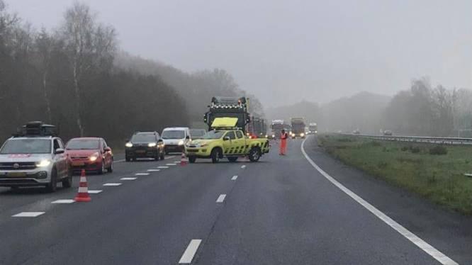 Flinke file na ongeval op A28: meer dan uur vertraging