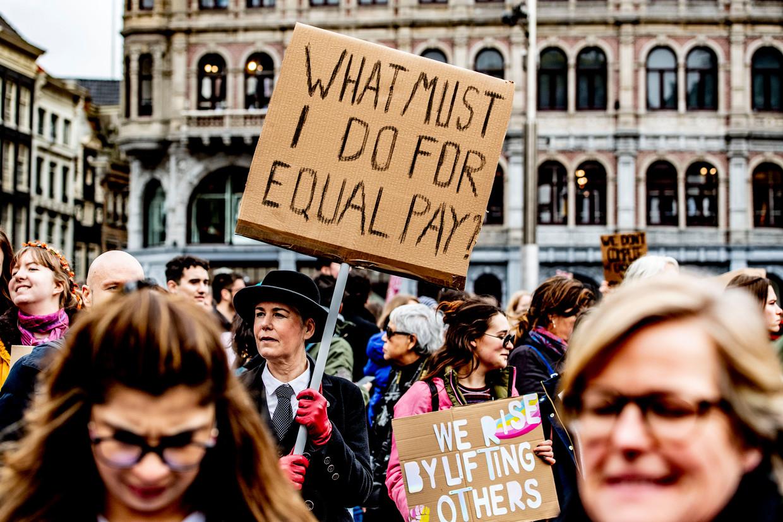 Actievoerders op de Women's March in Amsterdam, afgelopen maart. Beeld Hollandse Hoogte /  ANP