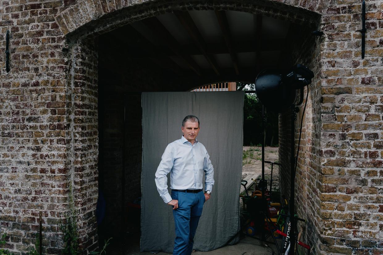 'De belangrijkste reden om aan cohousing te doen is weliswaar het sociale', zegt Federico Bisschop. 'Mensen zijn nu eenmaal sociale wezens en hebben gemerkt dat ze plots heel vaak alleen thuis zaten.' Beeld Wouter Van Vooren