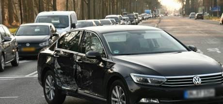 Lange files op Gronausestraat in Enschede na aanrijding
