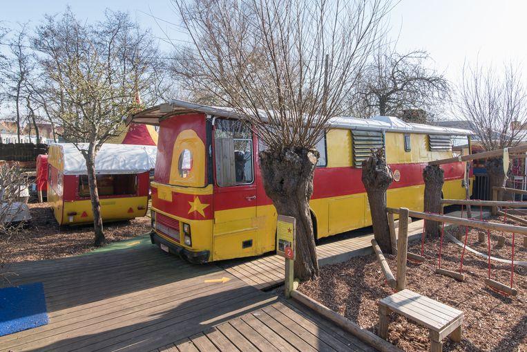 Circuswagens in De Sierk Beeld RV