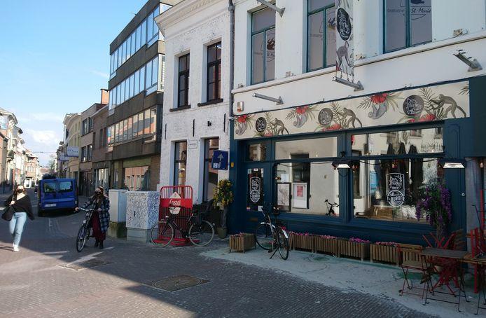 Eetcafé Brass Monkey op het Sint-Nicolaasplein.