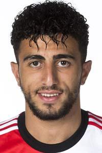 GOAL! 0-7 Feyenoord! Doelpunt Bilal Basacikoglu<br>En daar is dan alsnog de zevende treffer. Bilal kan alleen op doelman Kortsmit af, lepelt de bal over de keeper heen en tikt van dichtbij binnen.