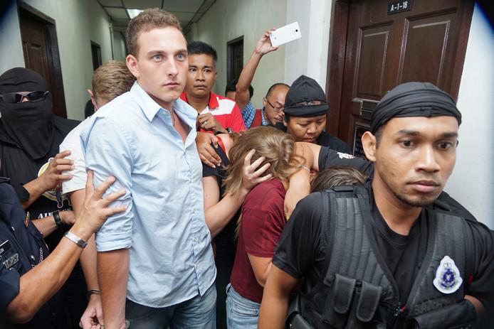 Dylan Snel bij het verlaten van de rechtbank.