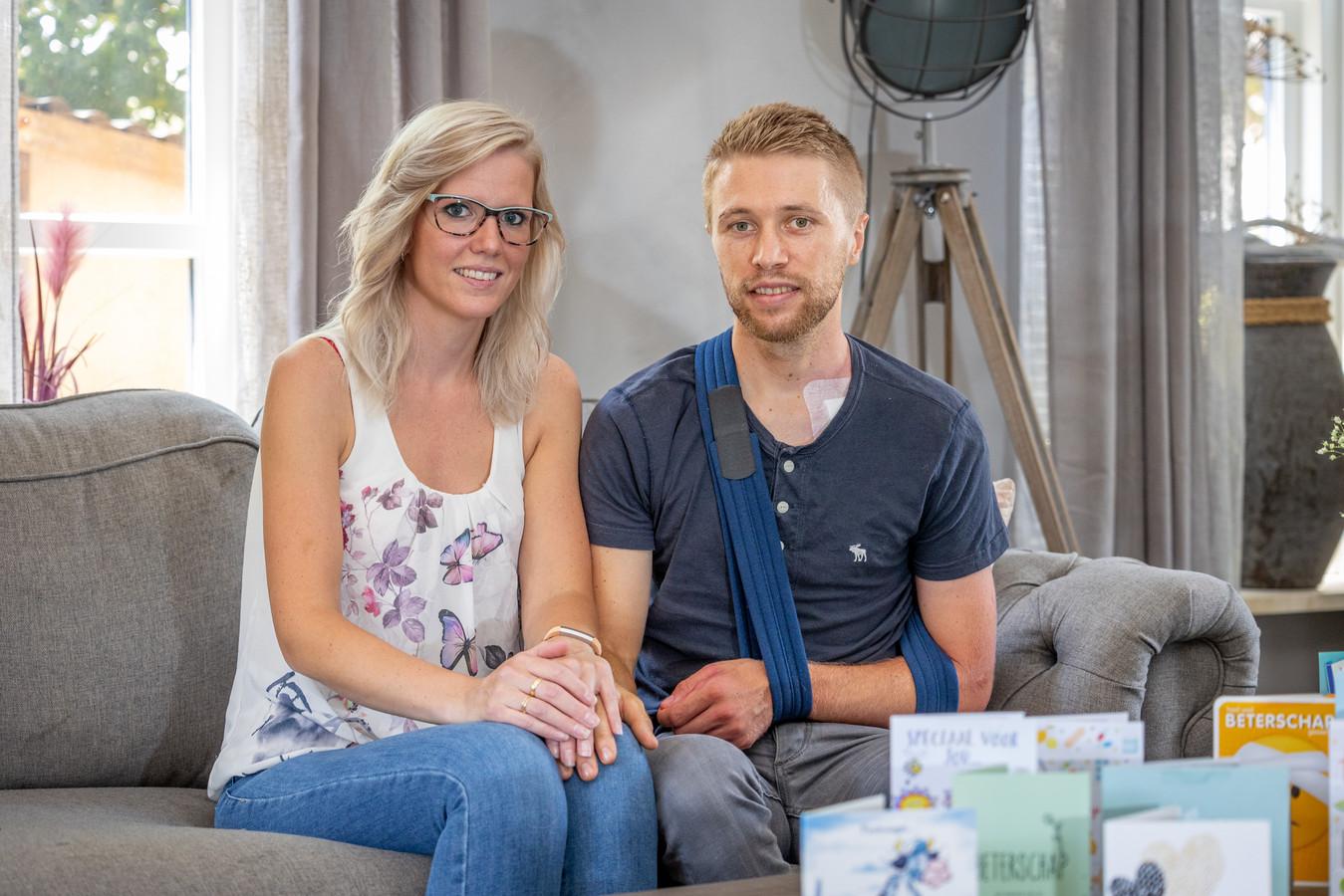 Maurits en Marion Lammertink zijn door een hel gegaan, Maurits raakte enkele weken geleden zwaar gewond toen hij werd aangereden door een scooter.