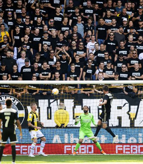 Vitesse-supporters niet vervolgd voor zingen anti-semitische leuzen bij duel met Ajax