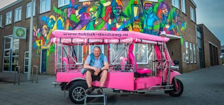 De roze tuktuk van Michel (60) 'knalt lekker': 'De homoscene vindt 'm ook gaaf'