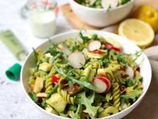 Wat Eten We Vandaag: Pastasalade met radijs en halloumi