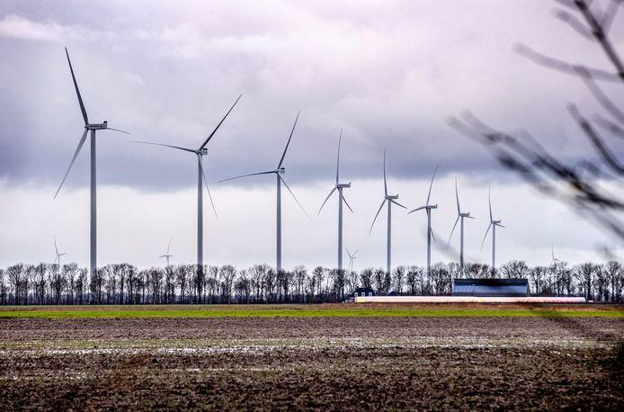 Windmolens zijn noodzakelijk voor een groene energievoorziening, maar lang niet iedereen zit te wachten op hoge turbines in de eigen leefomgeving.