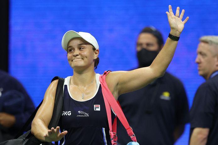 Ashleigh Barty neemt afscheid van het publiek na haar uitschakeling op de US Open.