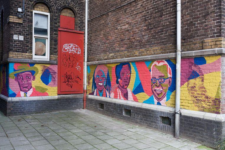De muurschildering is in ere hersteld. Beeld Nina Schollaardt