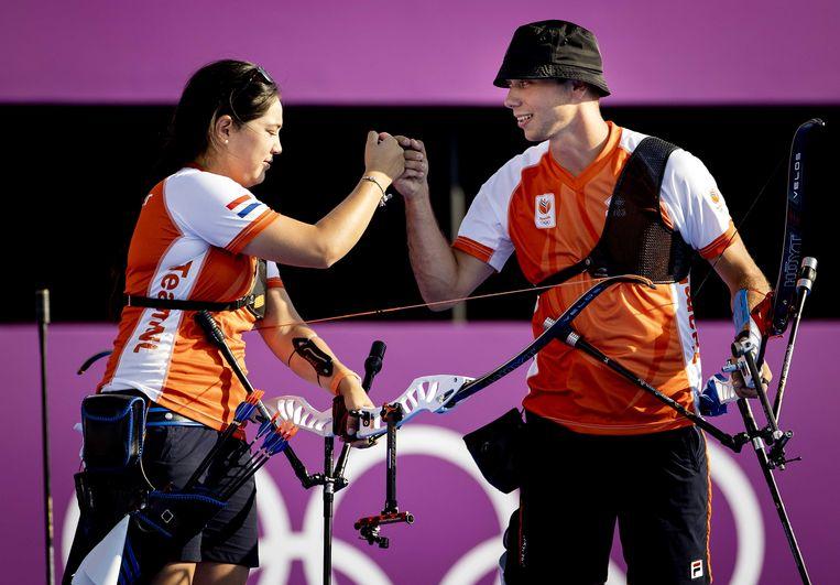 Schloesser en Wijler (r) in actie tijdens de finale. Beeld ANP