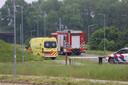 De hulpdiensten rukten zaterdagochtend 5 juni massaal uit naar de crossbaan in Tiel.