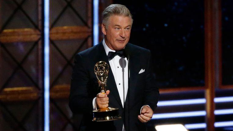 Alec Baldwin krijgt een Emmy voor zijn persiflage van president Donald Trump in 'Saturday Night Live'. Beeld reuters