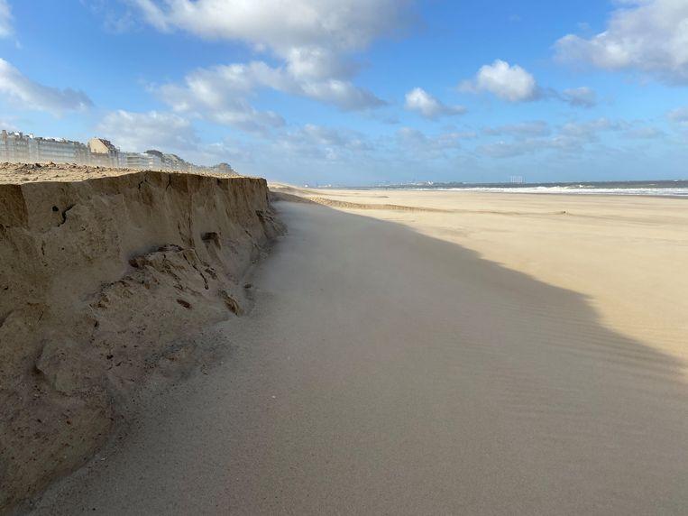 Het strand van Knokke is gehavend door de storm Ciara.