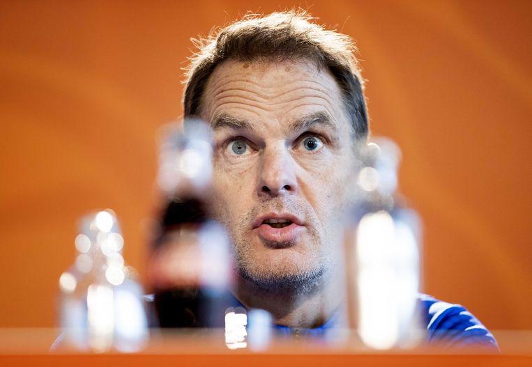 Bondscoach Frank de Boer: 'Als in de selectie op het WK in 1998 iedereen de goede focus had gehad, waren we misschien in de finale gekomen'. Beeld EPA