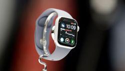 Nieuwe Apple Watch kan hartproblemen opsporen en belt ambulance wanneer je valt