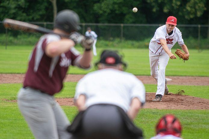 WSB-pitcher Mark Bosman eerder in actie dit seizoen.