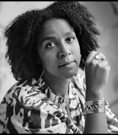 Altijd 'de ander' zijn. Simone Atangana Bekono debuteert met beklemmende roman