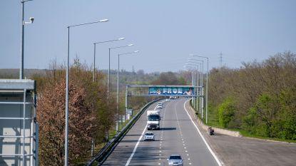 E19 in Kontich krijgt nieuwe asfaltlaag: verkeer moet over twee rijstroken