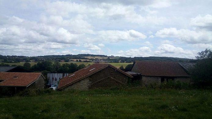 De boerderij in Nexon.