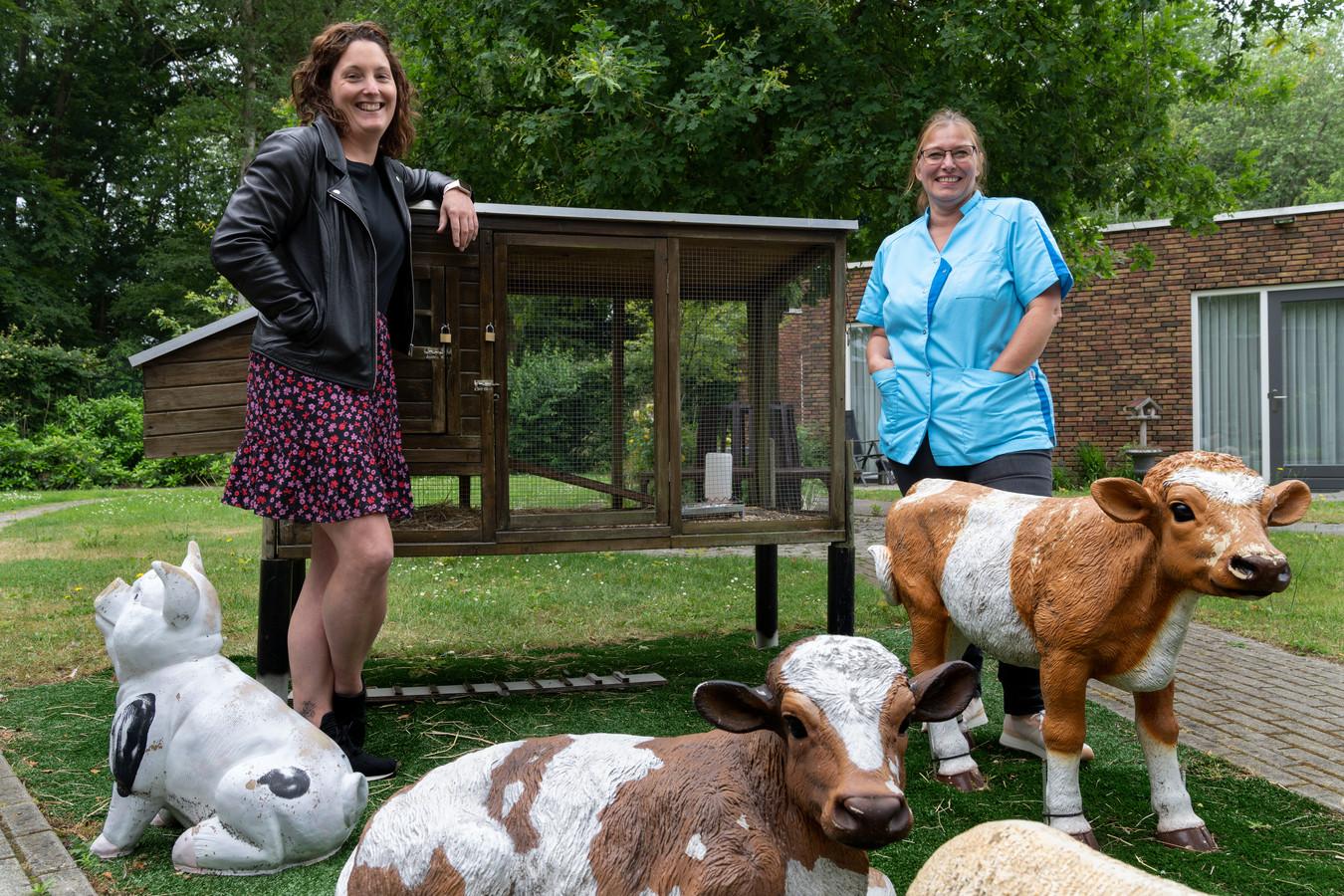Karen van de Ven (links) en lefgozer Petra Koppelaar van Van Neynsel.