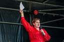 Alina Bijl in actie tijdens studentenstaking tegen het leenstelsel, begin deze maand op het Haagse Malieveld.